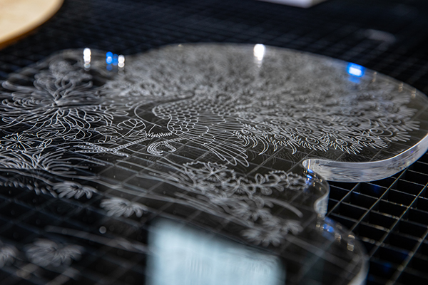 SEI Laser Personal Bravo : un seul système pour la gravure et la découpe des matériaux épais